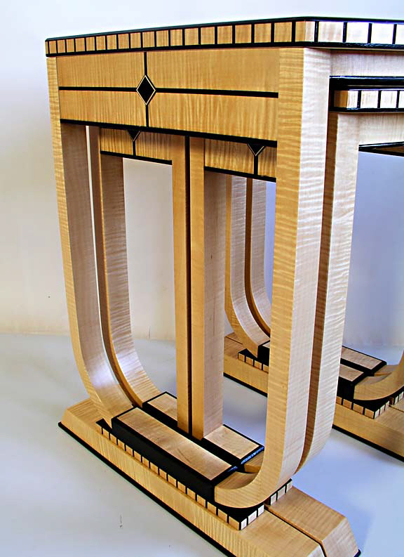 Art deco nesting tables for Table de nuit art deco